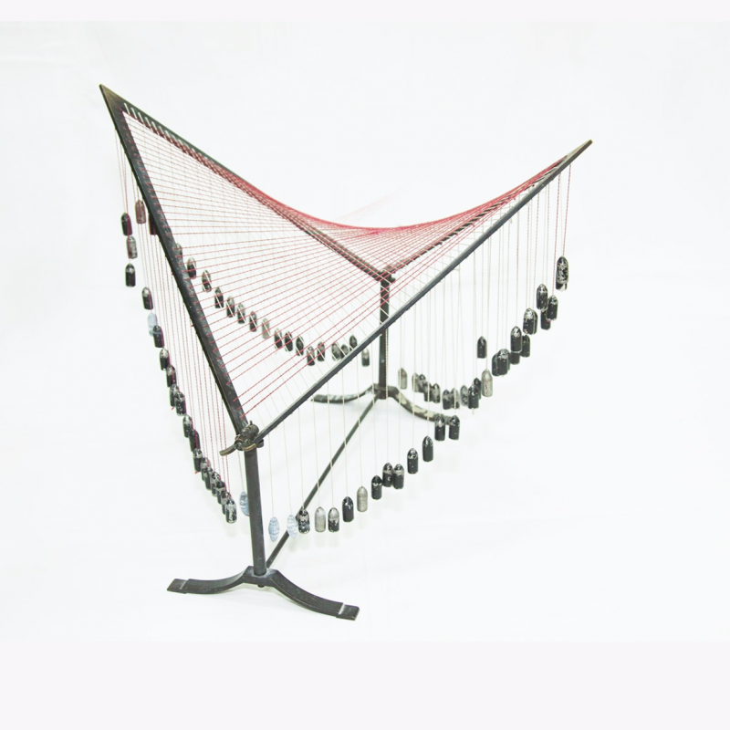 Movable thread hyperbolic paraboloid
